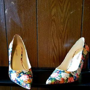 Nine west high heel shoe